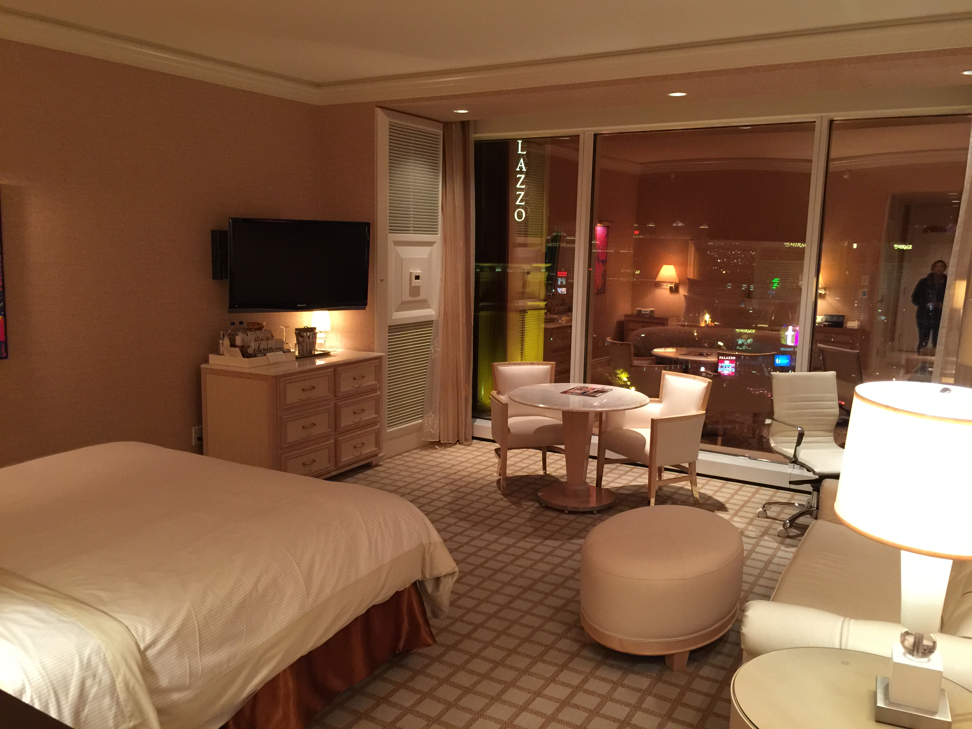visit vegas hotel star a week las mattress strip large and stay encore to the wynn chillinfood
