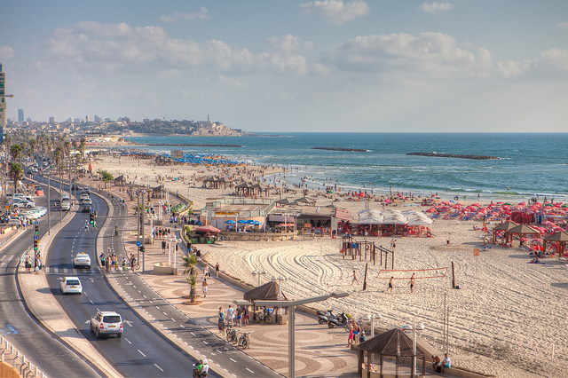 Tel Aviv Beaches. Photo from IsrealTourism udner Creative Commons License (https://flic.kr/p/cKSETC)